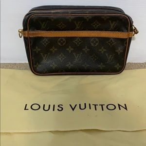 SL1911 Louis Vuitton Compiegne Crossbody